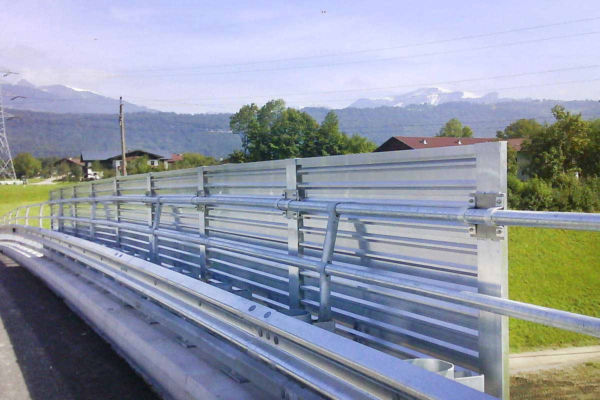 Blumschein-Leistungen-Spritzschutz-Alu-1200x800px-web